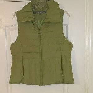 Kenneth Cole green vest. Size Lg
